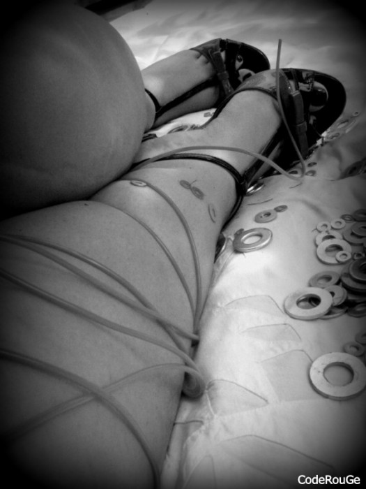 Noir et blanc hot sur mes belles jambes