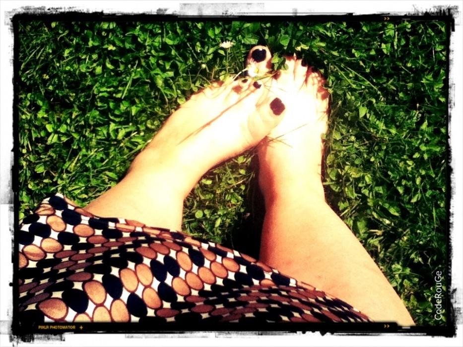 J'aime la sensation de l'herbe sous mes pieds